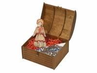 Набор «Милана»: кукла в народном костюме, платок в деревянном сундуке, золотистый/белый